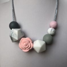 Grace Teething Necklace - Pink